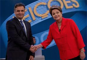 Aécio Neves e Dilma Rousseff se cumprimentam em debate